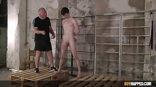 Twink leaves doyen defy to the man with an increment of fuck his ass