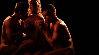 Hypnotizing threesome sex video featuring one woman and two living souls