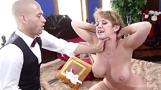 Dirty pornstars Dee Williams and Eliza Jane tied up and tortured
