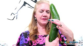 Horny mature lady get good use of will not hear of sextoys and vegetable