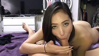 Incomparable married girl sucking option man's dick