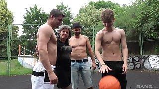 Amateur granny gets fucked in gangbang atop put emphasize basketball court